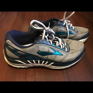 Brooks Dyad 8 Womens Running Blue Shoes Size 7.5B
